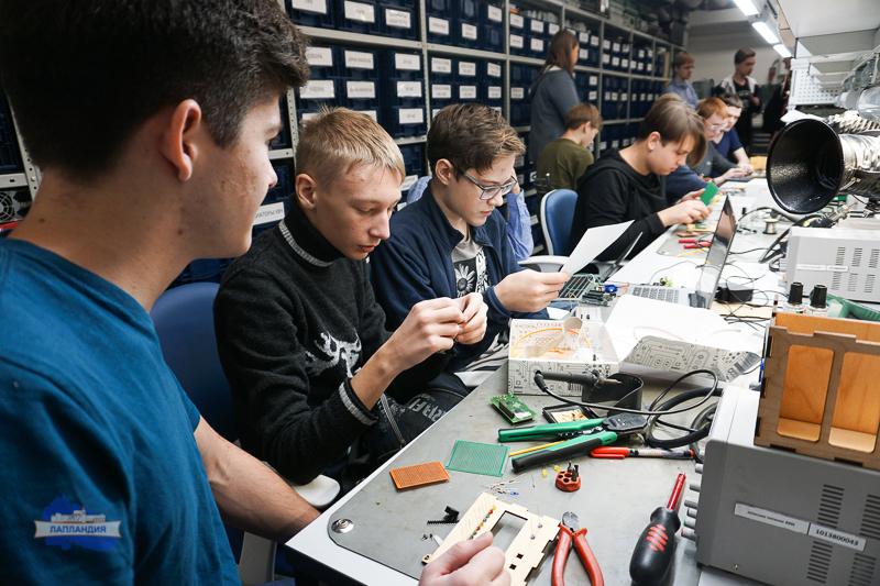 Инженерный хакатон в детском технопарке «Кванториум-51» собрал 200 юных разработчиков со всей Мурманской области
