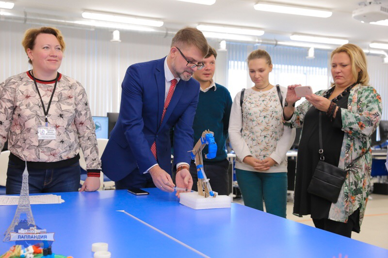 Детский технопарк «Кванториум-51» посетили молодые политики Мурманской области и норвежской губернии Тромс