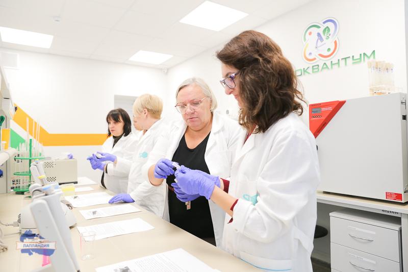 Наставники биоквантума детского технопарка «Кванториум-51» провели мастер-класс для преподавателей биологии региона