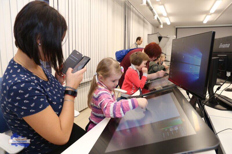 В детском технопарке «Кванториум-51» прошёл день научного семейного отдыха