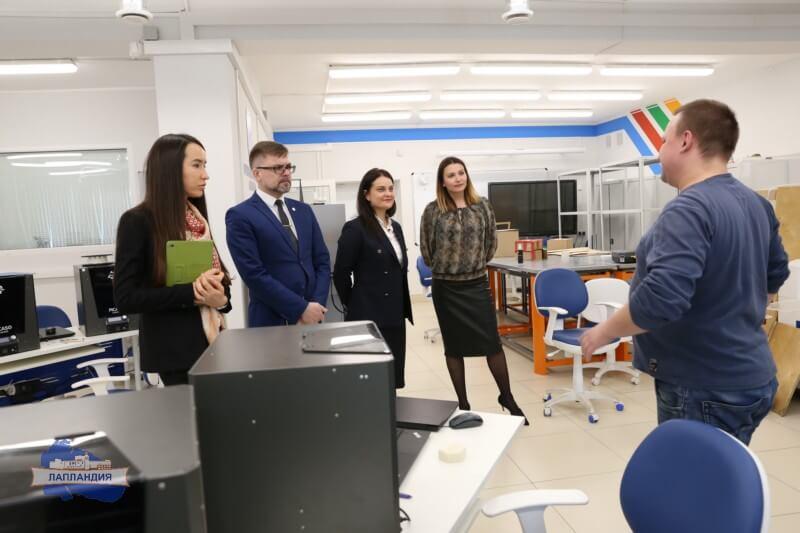 Детский технопарк «Кванториум-51» посетили представители Сбербанка