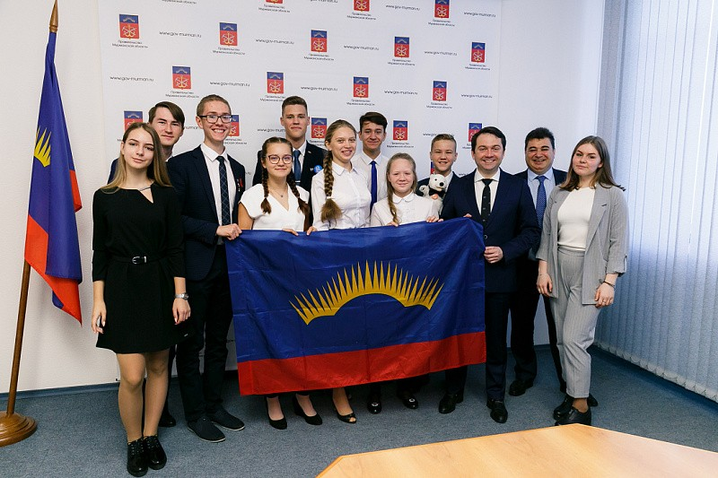 Кванторианцы, недавно вернувшиеся с Северного полюса, приняли участие во встрече с главой региона Андреем Чибисом