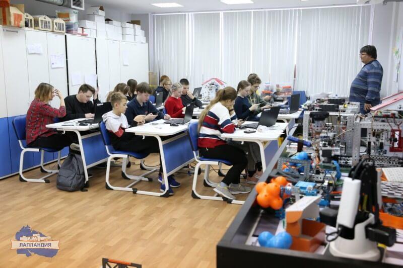 31 октября на базе детского технопарка «Кванториум-51» стартовала первая образовательная сессия очно-заочной школы по стандартам подготовки ЮниорПрофи