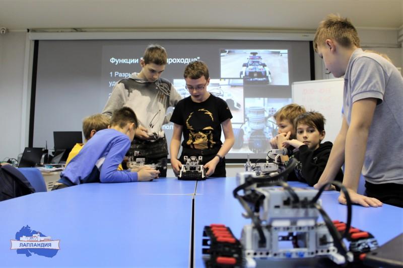 В детском технопарке «Кванториум-51» прошла новогодняя смена инженерных каникул